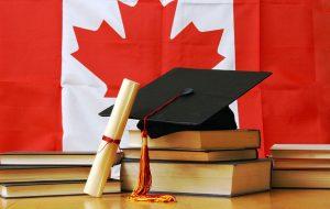 تصویر کتاب و پرچم کانادا