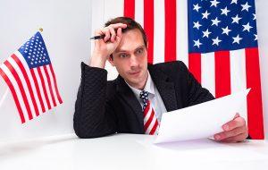 تصویر یک مرد با پرچم آمریکا