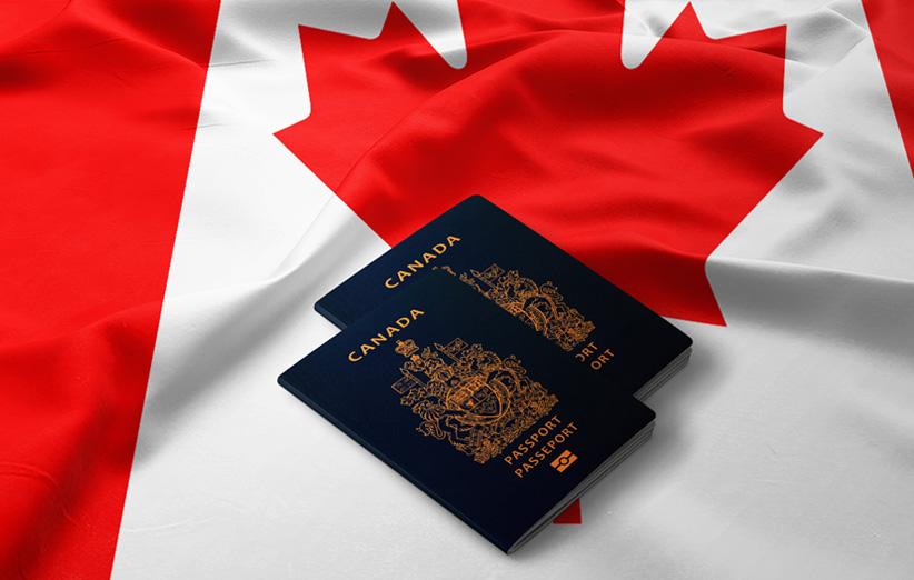 تصویر پاسپورت و پرچم کانادا