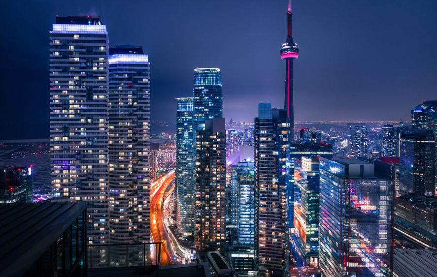 نمایی از شهر تورنتو در شب